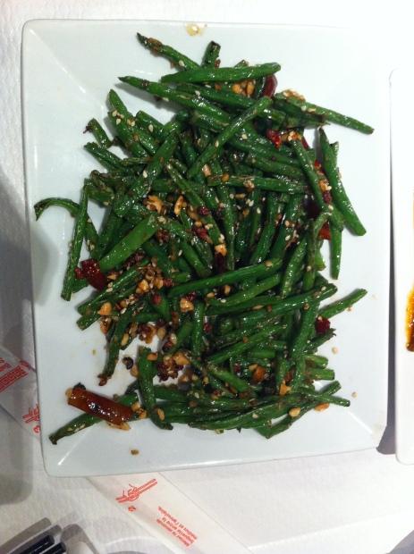 干煸四季豆 Haricots verts sautés pimentés.